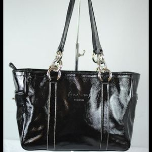 ❤ Coach patent leather bag